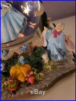 Cinderella Castle Light Up Musical Movement Snow Globe Disney Some Marks Rare