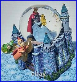 DISNEY Musical Snow Globe Cinderella Once Upon The Dream Fairy Godmothers Castle