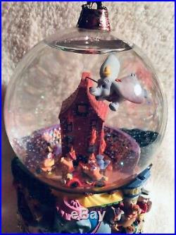 DISNEY SCHNEEKUGEL Dumbo SPIELUHR Masters of Animation RARITÄT SELTEN Snowglobe