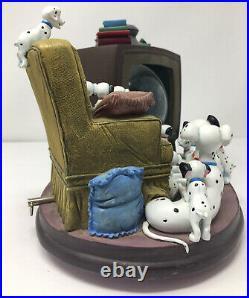 Disney 101 Dalmatians Watching TV Bolt Musical Snow Globe Rare PLEASE READ