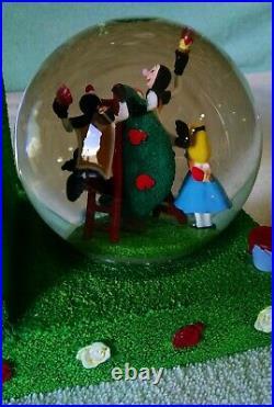 Disney ALICE IN WONDERLAND Snow Globe Bookends Queen of Hearts RARE