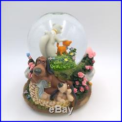 Disney Aristocats Snow Globe Plays'Everybody Wants to be a Cat