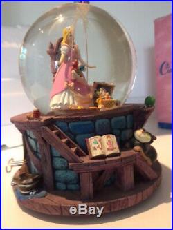 Disney Cinderella Snow Globe/Music Box
