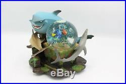 Disney Finding Nemo Fish Are Friends Snow globe New Defective