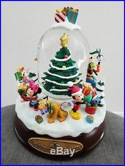 Disney Holiday Christmas Fab 5 Snowglobe Celebrate The Season Musical Globe New