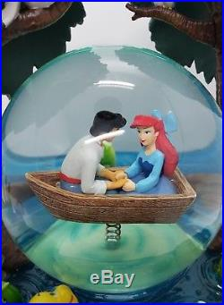 Disney Little Mermaid Kiss the Girl Snowglobe