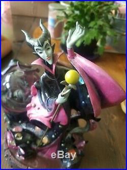 Disney Maleficent Sleeping Beauty Snowglobe Villains Evil Queen