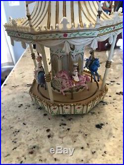 Disney Mary Poppins Carousal Snow Globe plays Jolly Holiday, Please read details