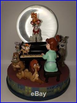 Disney Oliver and Company Snowglobe