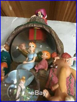 Disney Peter Pan Snow Globe with box rare