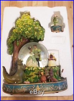 Disney Princess and the Frog Tiana Snow Globe