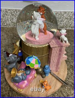 Disney Rare aristocats Snow Globe LE