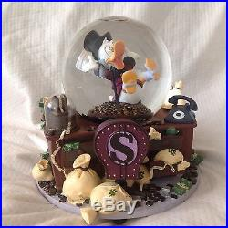Disney Scrooge McDuck FEELS GOOD TO BE RICH Musical Figurines SnowGlobe-IOB