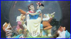 Disney Snow White Seven Dwarfs Someday My Prince Will Come Musical Snow Globe