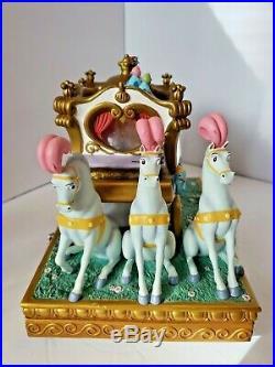 Disney Store Exclusive Princess Cinderella & Prince Carriage Ride Snow Globe