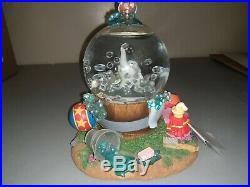 Disney Store Snow Globe Dumbo Takes A Bath Works with Box