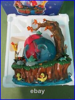 Disney Store Winnie The Pooh Rainy Day Music Box Snow-globe with original box
