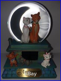 Disney The Aristocats Snowglobe