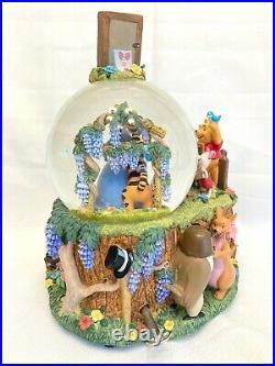 Disney Winnie the Pooh Musical Snow Globe Wonderland Music Company 9