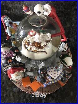 Disneys Nightmare Before Xmas Limited Edition Snow Globe