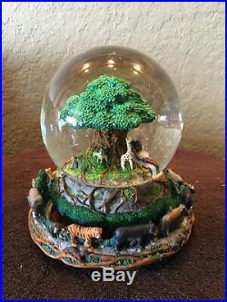 Extremely Rare Animal Kingdom The Tree Of Life Disney World Snow globe
