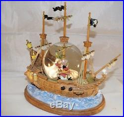 Extremely Rare! Walt Disney Peter Pan Fighting with Cap Hook Snowglobe Statue