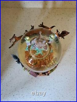 HTF DISNEY HAUNTED MANSION Grim Grinning Ghost Music Box Snow Globe lights up