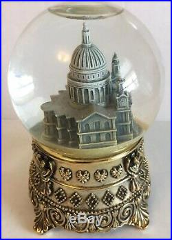 MARY POPPINS Snowglobe FEED THE BIRDS Cathedral DISNEY 35th COMMEMORATIVE 1999
