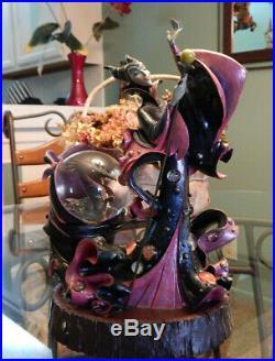 Maleficent & Dragon Disney Villains Snow Globe Statue Snow White
