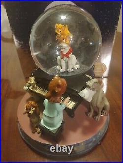 Oliver and company Disney snowglobe, missing tito head
