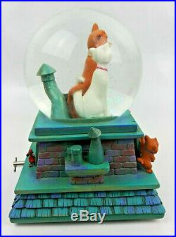 RARE DISNEY ARISTOCATS Snow Globe Music Box with Lights