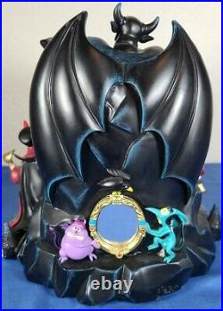 RARE Huge Disney Villains Grim Grinning Ghost Snowglobe Snow Water Globe Retired