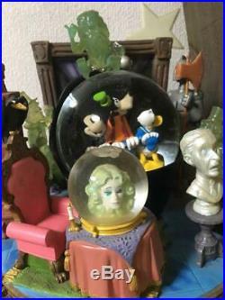 Rare Disney Haunted Mansion Mickey Snow globe music box Goofy Snow Dome Ornament