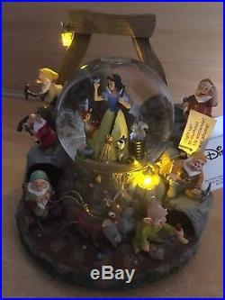 Rare Snow White & Seven Dwarfs Disney Exclusive Limited Edition Snow Globe #453