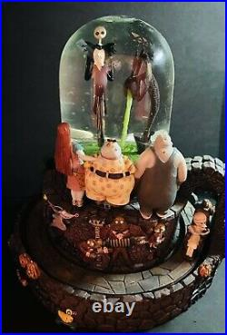 The Nightmare Before Christmas Musical Light Up Snow globe MINT Condition