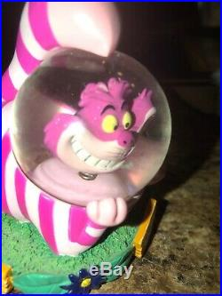 Very Rare Disney Alice in Wonderland Cheshire Cat bobble head snow Water globe