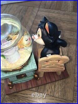 Vintage Disney Figaro & Cleo Snow Globe Figurine from Pinocchio