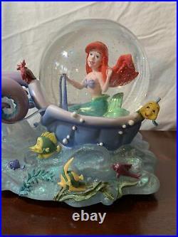 Vintage Disney The Little Mermaid Ariel with Seahorses Musical Snow Globe