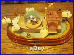 Walt Disney Classic Donald Duck 70th Anniversary Snowglobe New in Disney Box