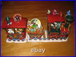 World of Disney NIB NEW Mickey Mouse Christmas Holiday Train Snowglobe Musical